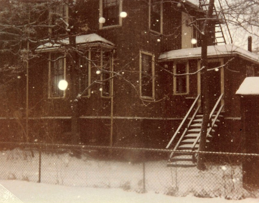 102-side-view-of-the-house-from-frannys-yard-1982