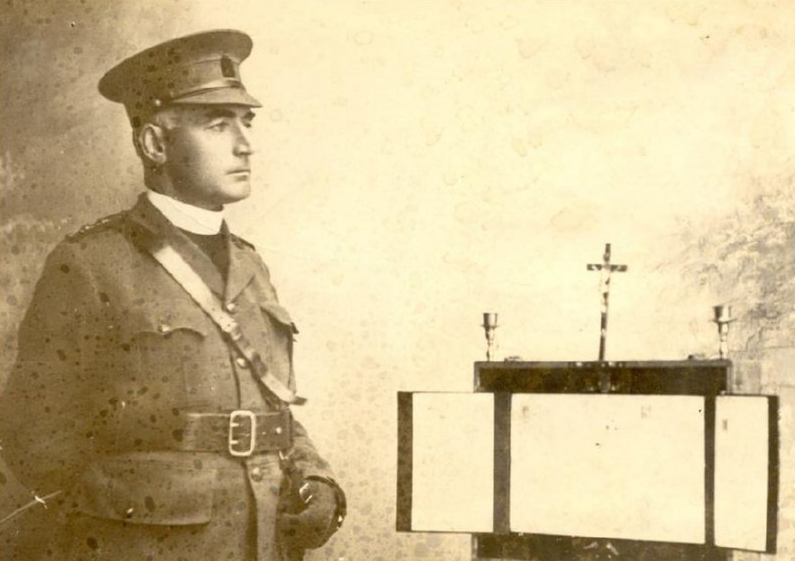 009-father-macpherson-france-1918